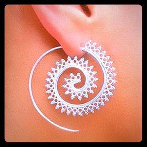 Jewelry - LastPair!SaharaSilverSpiralEarring5🌟multixSellout